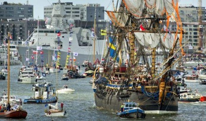 De Gotheborg komt donderdag aan in Amsterdam tijdens Sail 2010. ANP