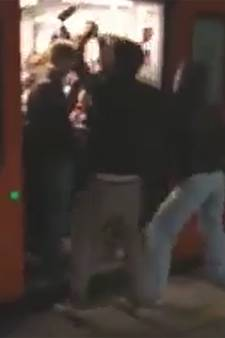 """La SNCB enquête sur une vidéo montrant des jeunes en train de faire la fête dans un train: """"Irrespectueux"""""""