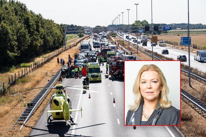 CDA-Kamerlid Madeleine van Toorenburg toonde zich in augustus zeer geschokt toen automobilisten massaal een ernstig ongeluk op de A58 filmden.