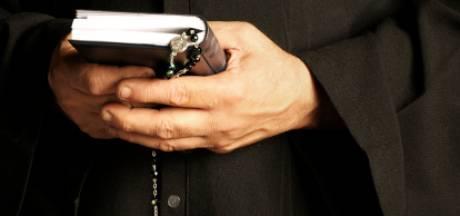 Maximale werkstraf voor 'mantelzorger' (62) na bestelen Almelose pastoor