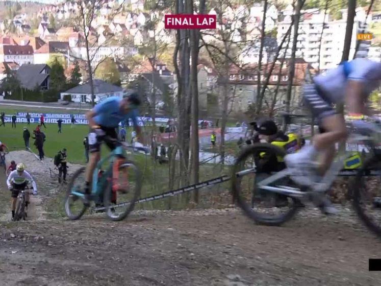 Mathieu van der Poel wint meteen!