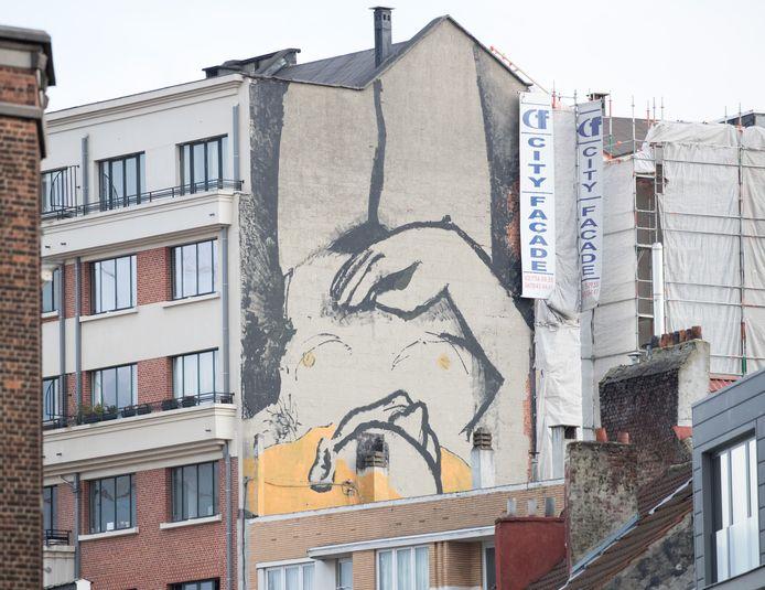 Op de Varkensmarkt in Brussel dook begin maart nog een fresco op van een naakte, rustende vrouw, met haar hand op haar buik.