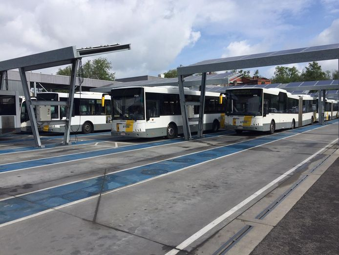 De bussen bleven in de stelplaats staan.
