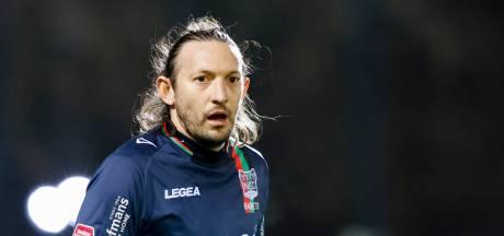 NEC's kopspecialist Barreto is een sluwe vos: 'Ik moet zoeken waar de bal valt'