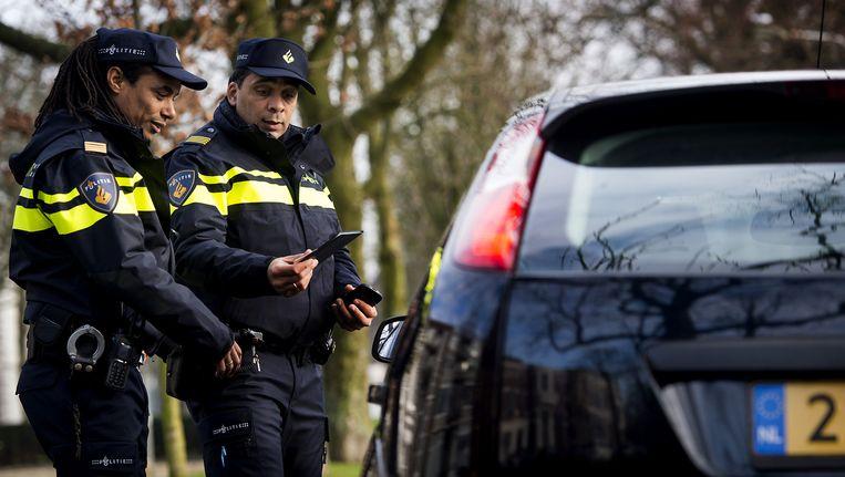 Bij een 'dynamische verkeerscontrole' zoekt de politie naar mogelijke criminelen Beeld anp