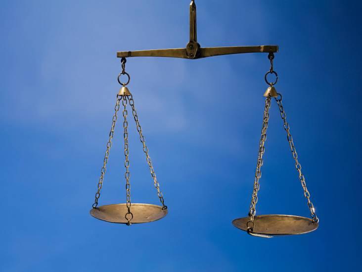 Rechtbank gelooft niet dat een wapen zomaar afging, Eindhovenaar krijgt dertig maanden cel