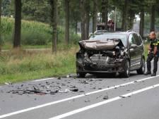 Twee gewonden bij ongeluk op N743 tussen Borne en Zenderen, weg tijdelijk dicht