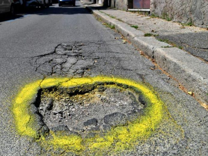 De toestand van veel Franse wegen is zorgwekkend.