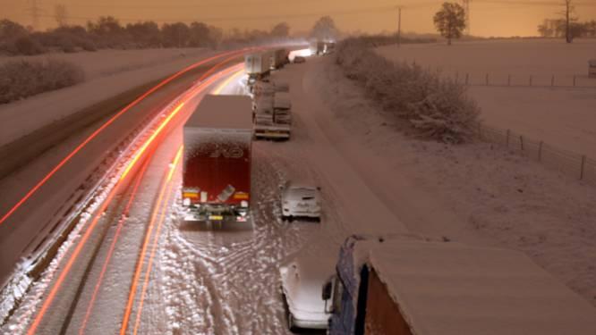 Sneeuw en ijzel zorgen voor chaos in heel Europa