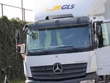 Man (74) komt voor ogen van zijn vrouw om het leven bij ongeluk met vrachtwagen