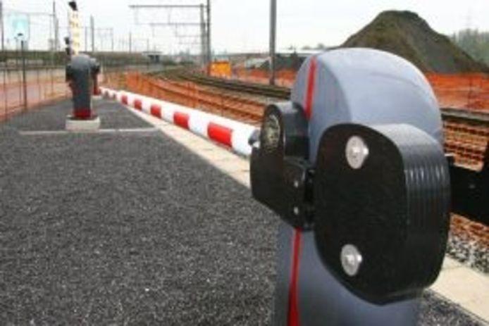Paulides BV in Sprang-Capelle levert 2500 elektromotoren voor nieuwe slagbomen bij Belgisch spoor.