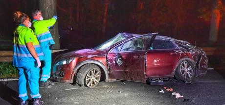 Automobilist gewond naar ziekenhuis nadat hij vangrail raakt op N69 richting Valkenswaard