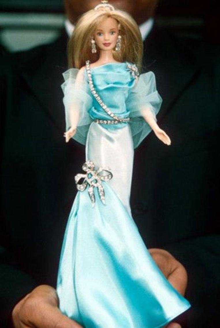 Met diamanten bezette Barbiepop Beeld Shutterstock