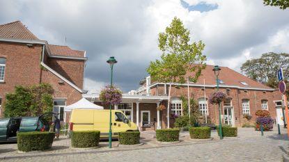 Gemeentehuis en OCMW-gebouw Linkebeek sluiten de deuren tot eind juli nadat personeelslid besmet blijkt met corona