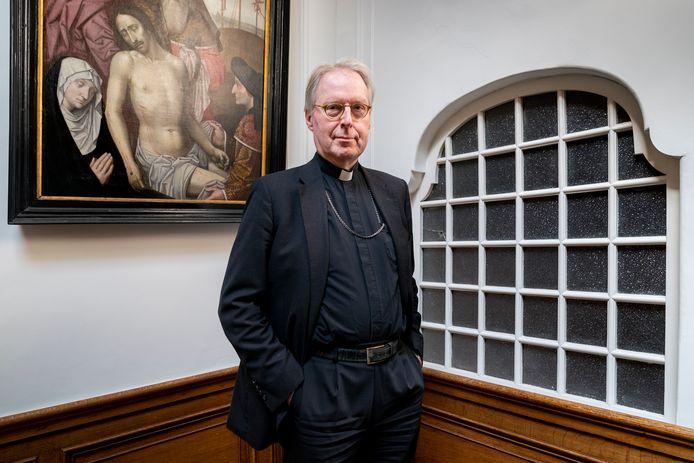"""Bisschop Gerard de Korte: ,,Mijn boek gaat over het lijden van mensen. Maar ook om de zorg voor elkaar."""""""