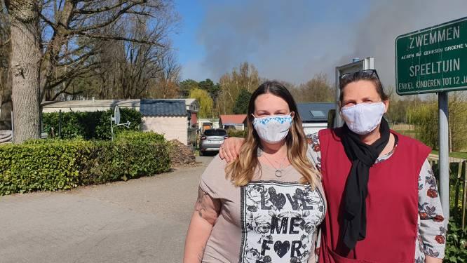 """Camping en deel woonwijk geëvacueerd door brand op Groot Schietveld: """"Nog snel even foto's van mijn kinderen meegenomen"""""""