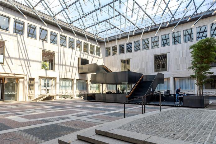 De binnenplaats van het Huis der Provincie in Arnhem.