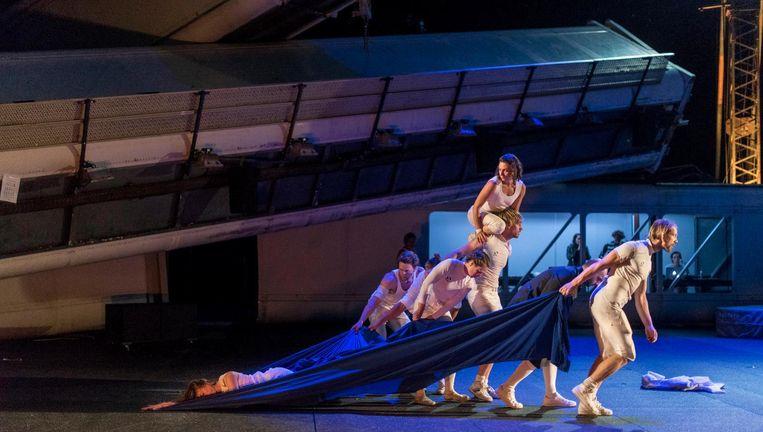 Romeo en Julia door het Amsterdamse Bostheater. Beeld Ben van Duin