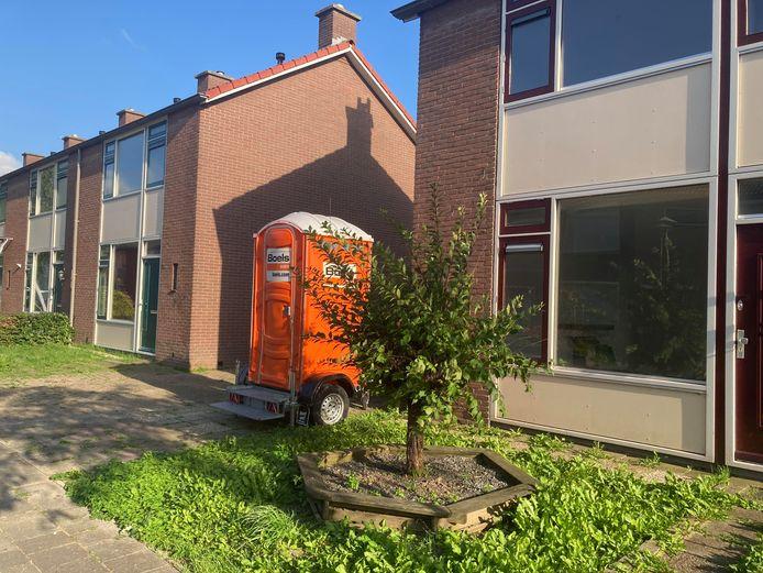 Deze woningen in de Millingse Prinses Beatrixstraat staan al maanden leeg.