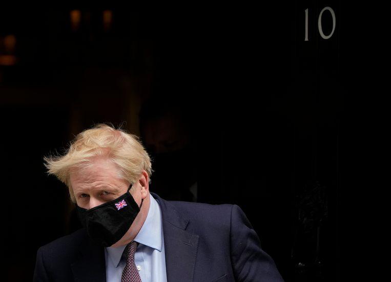 De Britse premier Boris Johnson was volgens Cummings woedend op zijn topadviseur en experts die hem ertoe bewogen het land af te grendelen. Beeld AP