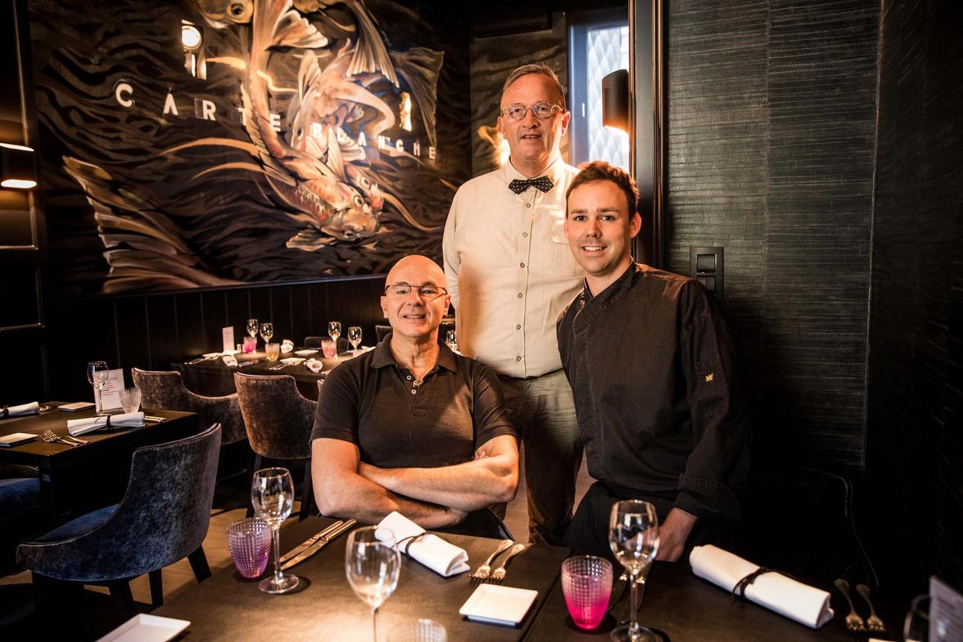 Paul, Walter en sous-chef Bart in het restaurant.