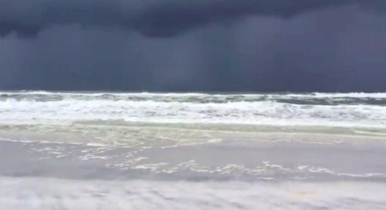Donkere wolken in Florida, de voorbode van tropische storm Barry. Beeld Mark Fulford