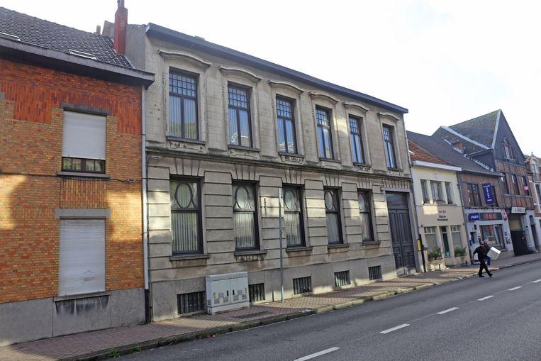 De dokterswoning tegenover het gemeentehuis in de Bogaerdstraat.