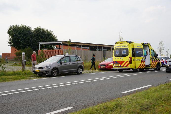 Een van de bestuurders raakte gewond en is ter controle naar het ziekenhuis gebracht.