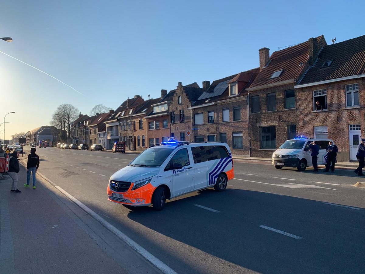 De Gistelsesteenweg in Sint-Andries is afgesloten voor een gaslek.