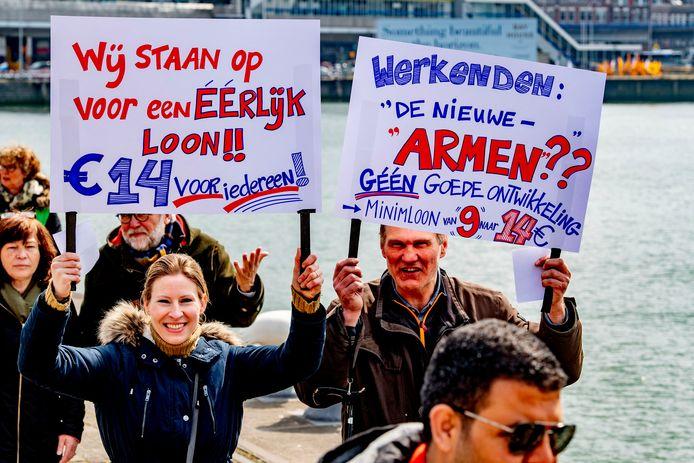 De beweging om het minimumloon op te hogen naar 14 euro per uur is al even gaande: hier een protest in april 2019 in Rotterdam.