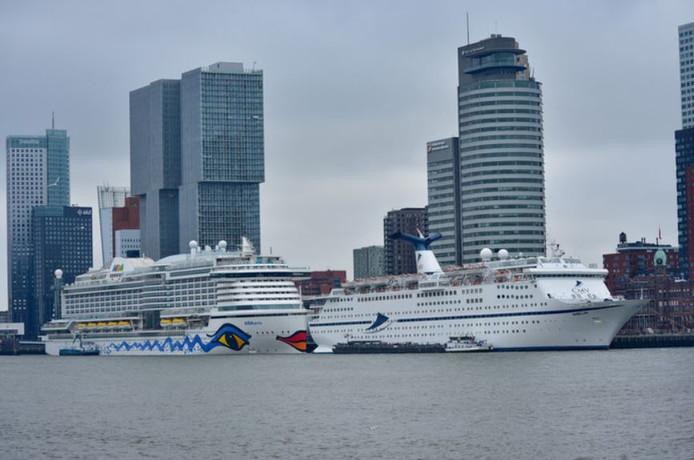 De Magellan (r) bij een eerder bezoek aan Rotterdam.