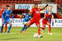 Danilo benut de penalty die FC Twente kreeg.