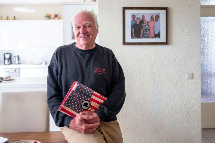Piet Steens is blij dat hij eindelijk weer naar de Verenigde Staten kan vliegen.