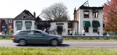 Restauratie Het Kanon in De Hoven laat op zich wachten: 'M'n pa is hier nog niet geweest sinds de brand'