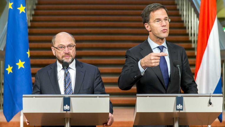 Voorzitter Martin Schultz van het Europees Parlement en minister-president Mark Rutte. Beeld anp