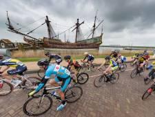 In de Zuiderzeeronde kan het wielerpeloton zich een middag uitleven in de polder, zonder publiek