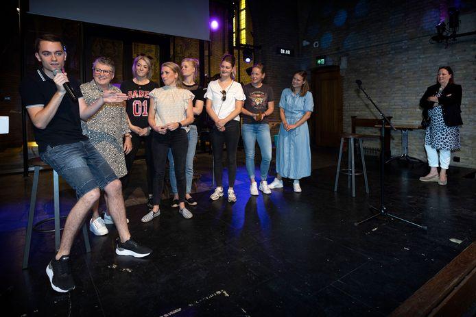 Jelle Dijkstra maakte dit weekend, in De Kerk in Oostelbeers, bekend wie De Mol Oirschot was en wie de winnaar.