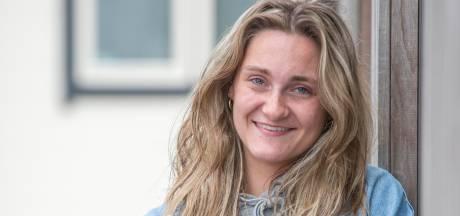 Bulten in hals bij 16-jarige Esley bleken lymfeklierkanker: 'Heel spannend of ik het zou halen'