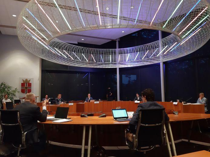 De gemeenteraad van Gemert-Bakel sprak dinsdagavond over de besmette nertsenbedrijven in Oost-Brabant.
