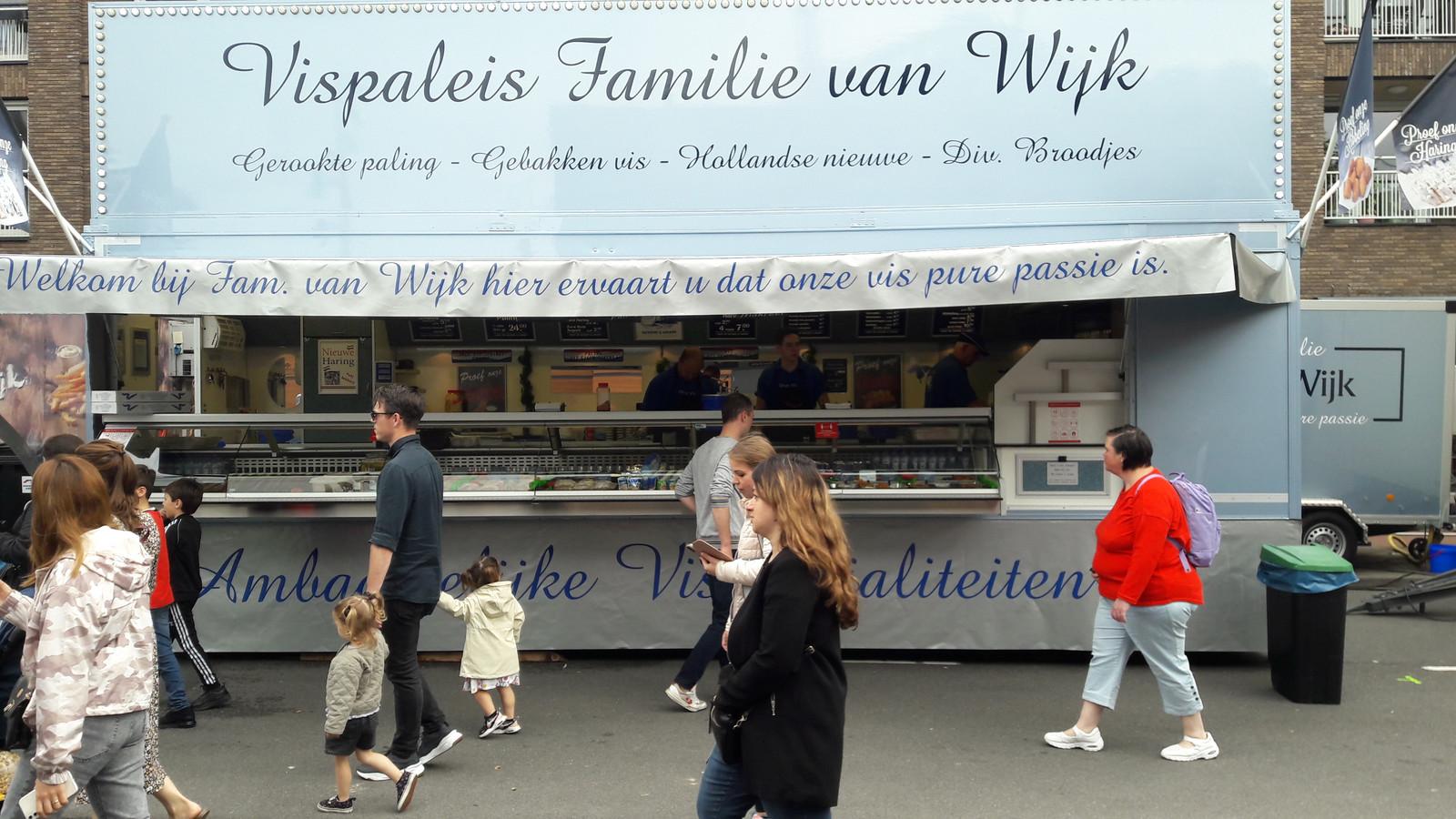 Het Vispaleis van de Familie van Wijk op het Piusplein