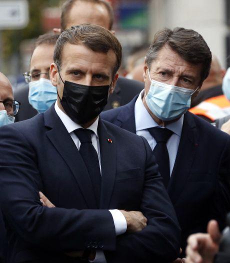 """Macron dénonce """"une attaque terroriste islamiste"""" contre la France et appelle """"à l'unité"""""""