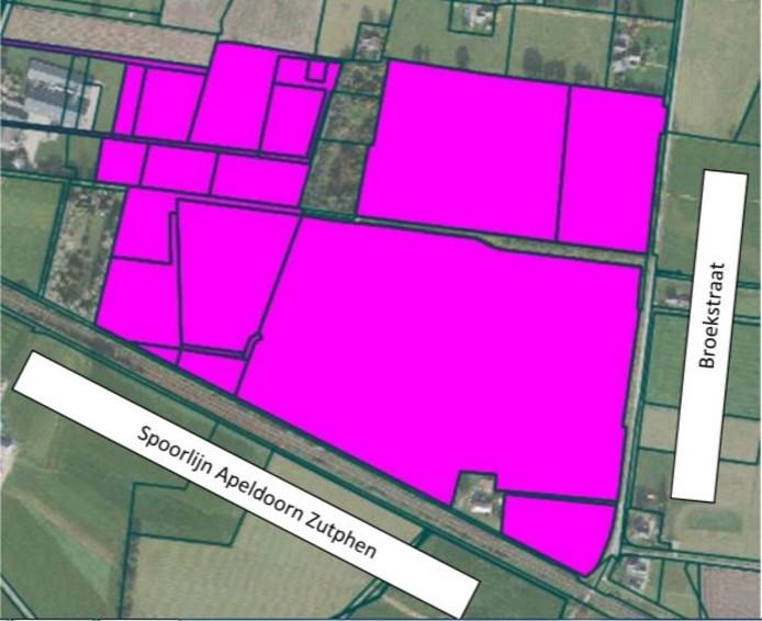 Het plangebied voor het zonnepark in het buitengebied van Klarenbeek.