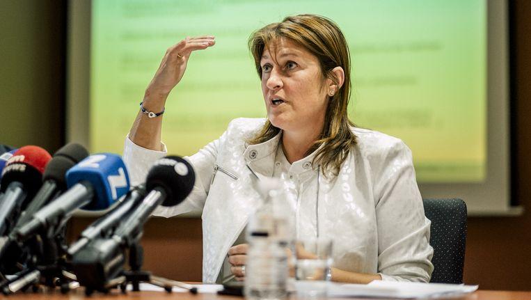 Minister van Mobiliteit Jacqueline Galant is ambitieus. 'We zullen de klant weer centraal plaatsen.' Beeld © Illias Teirlinck