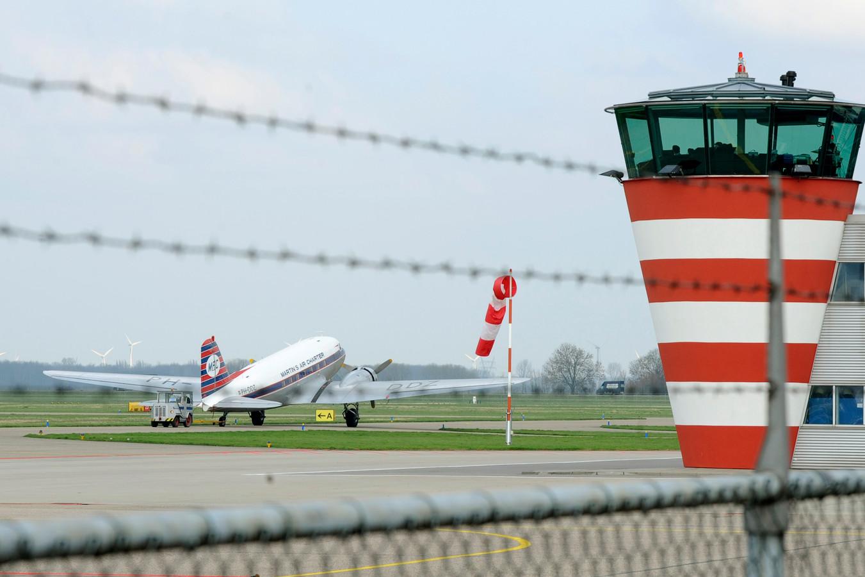 Lelystad mag d nederlandse vakantieluchthaven worden foto - Bureau van de uitbreiding ...