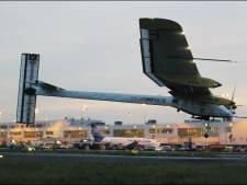 L'avion Solar Impulse remet ça et tente de regagner Paris