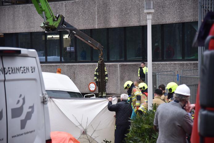 Hulpverlening na het ongeval in Nijmegen.