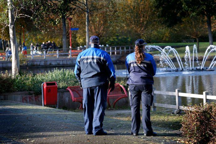 De gemeente Gorinchem heeft extra toezicht ingesteld in het Gijs van Andelpark in Gorinchem  om te zorgen dat jongeren zich weer veilig voelen in het park.