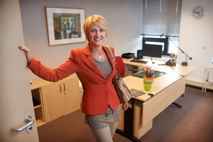 Caroline van den Elsen in wat haar kantoor was als wethouder van de gemeente Veghel.