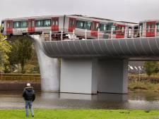 Social media gaan los op metro-ongeluk in Spijkenisse: 'Machinist deed poging om piloot te worden'