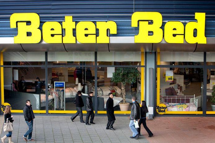 Delft;Nederland;ROTTERDAM  Winkelend publiek zaterdag in woonboulevard Alexandrium in Rotterdam. Een uitje naar de meubelboulevard op tweede kerstdag is voor veel Nederlanders traditie geworden. Toch is het in Alexandrium zaterdag niet druk. ANP VALERIE KUYPERS